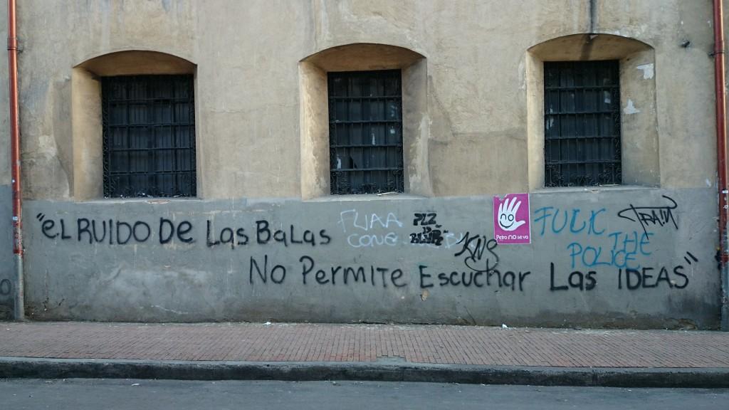 Der Lärm der Schüsse verhindert, dass man die Ideen hört (Plaza Bolívar)